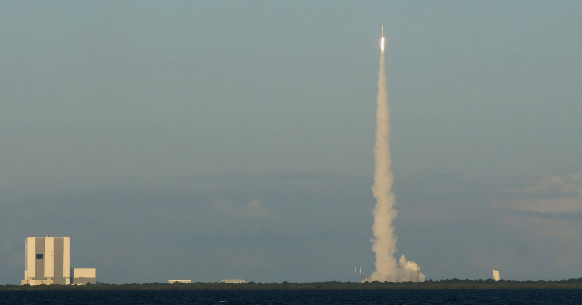 SpaceX and ULA Get Launch Contracts. ULA Wins Almost 50% More Money