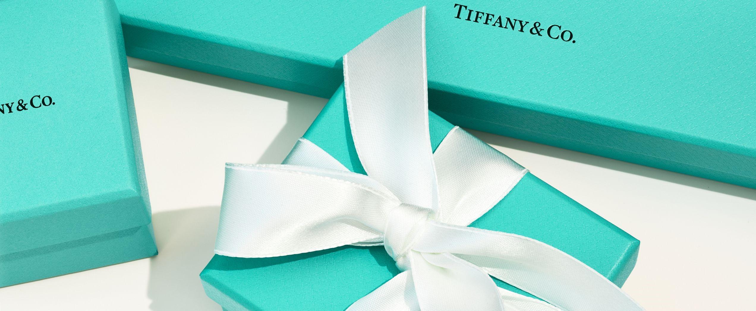 Three Tiffany boxes.