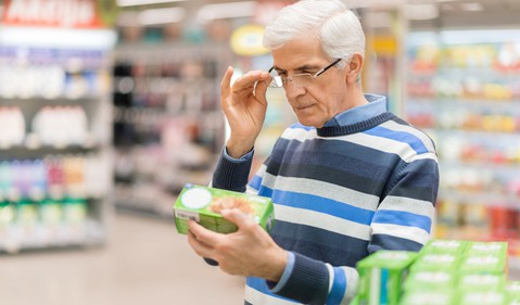 senior man at supermarket_GettyImages-923721462
