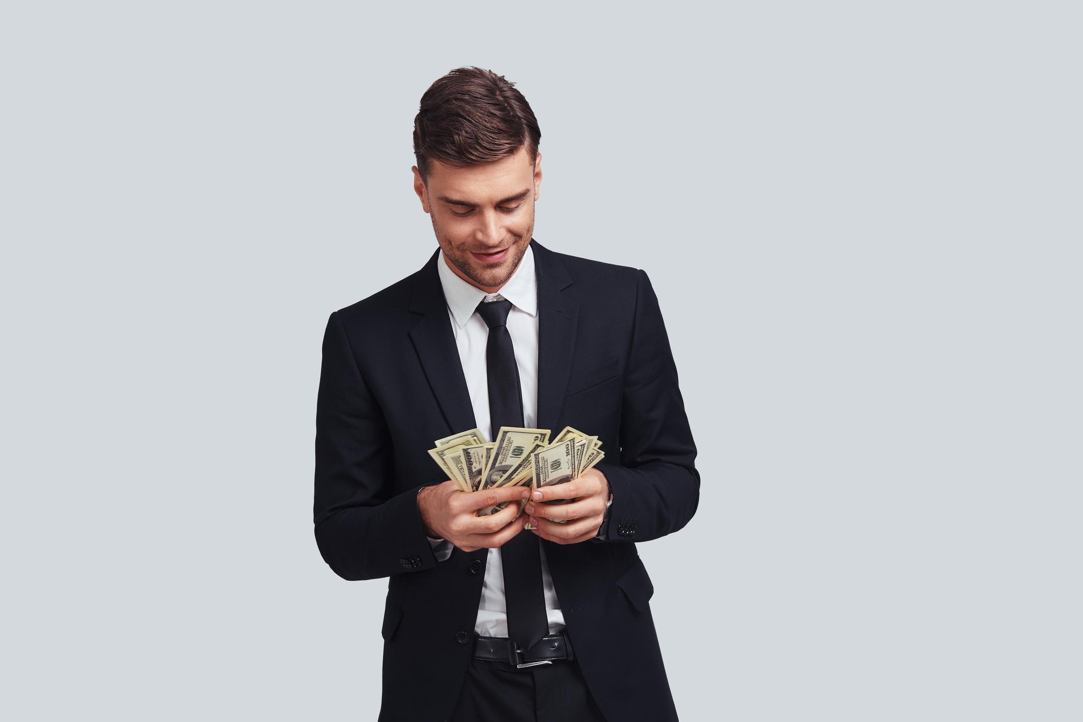 4 Tricks Billionaires Use to Make Their Money Work for Them