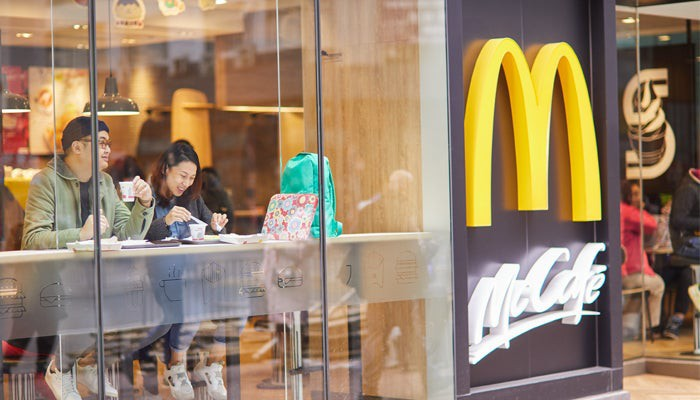 Image of people eating at McDonald's