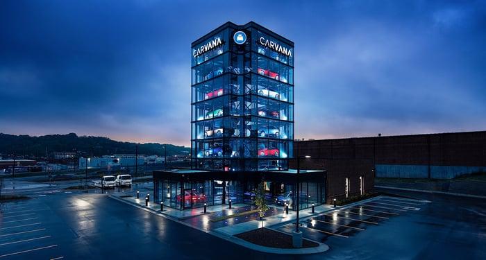 Carvana vending tower in Kansas City.