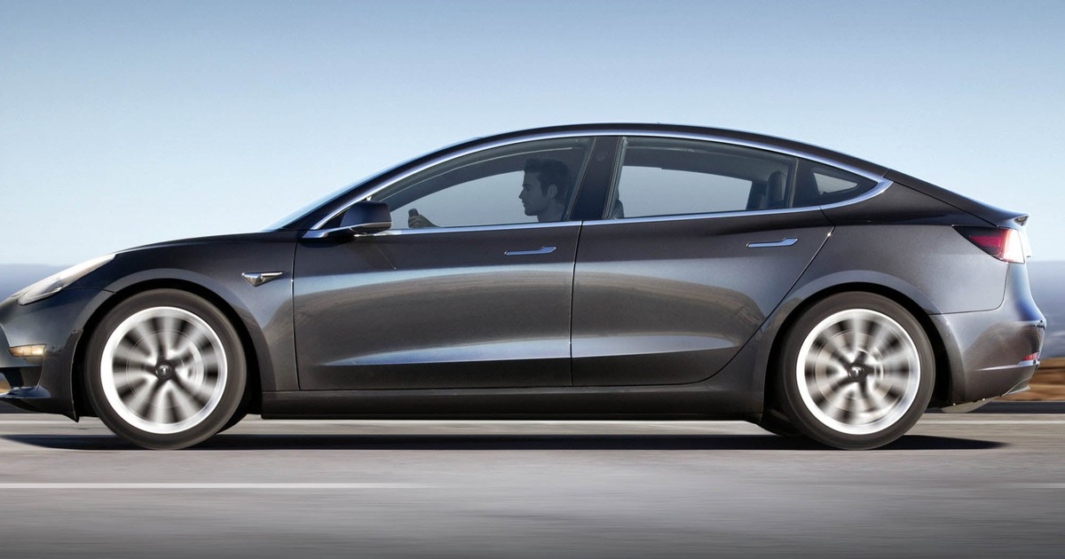 Tesla's Biggest Bull Just Posted Its Valuation Model -- and There's a Huge Flaw in It