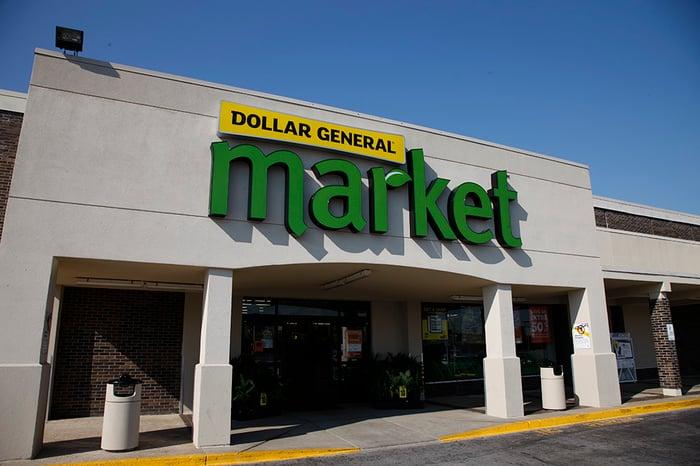 A Dollar General Market storefront