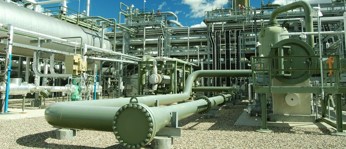 A pipeline terminal facility with networks of pipes