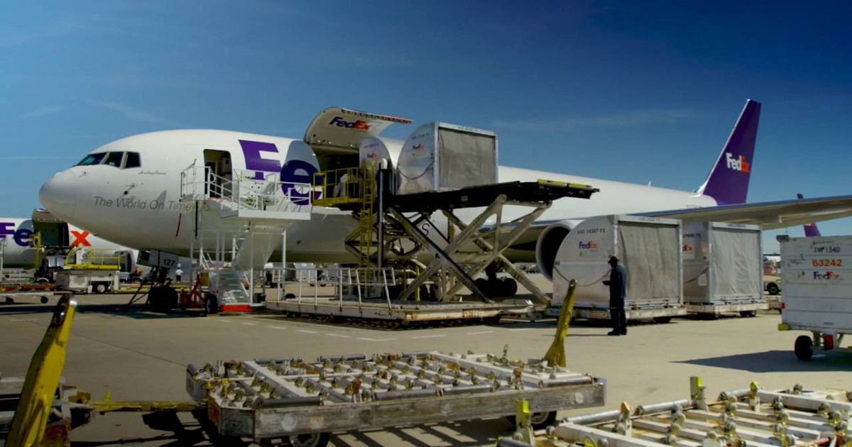 FedEx Finally Admits Amazon Is a Rival to Be Reckoned With