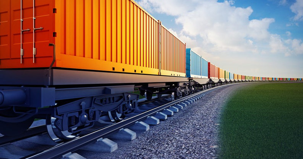 Why Shares of Union Pacific and CSX Headed in Different Directions After Earnings