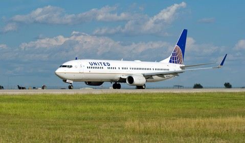 Airline-United Continental-UAL-Boeing 737
