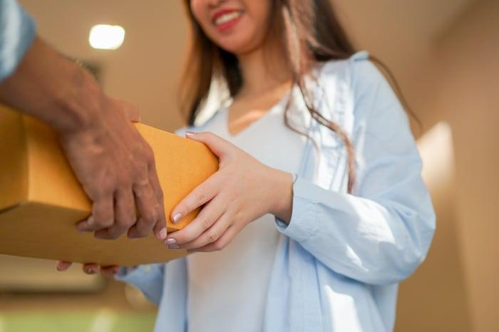 A customer receives an online order.