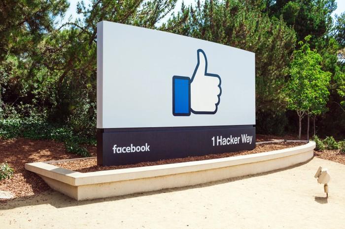 Facebook thumbs up sign on 1 Hacker Way
