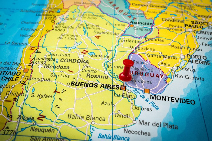 Map of Argentina with a pin in Buenos Aires.