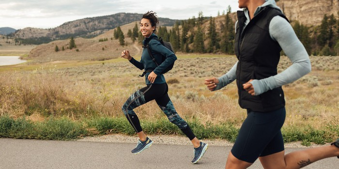 Why Lululemon Thrives as Other Apparel Retailers Die | The