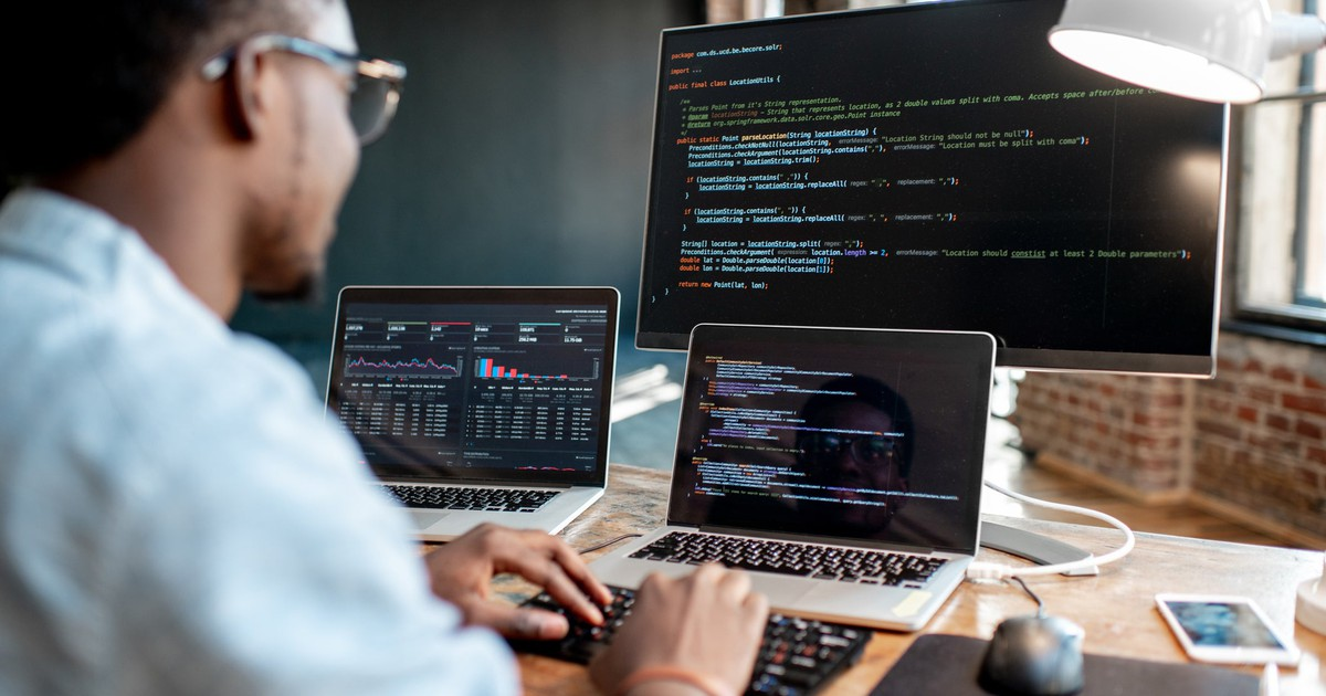 4 Software Stocks I'd Buy Right Now