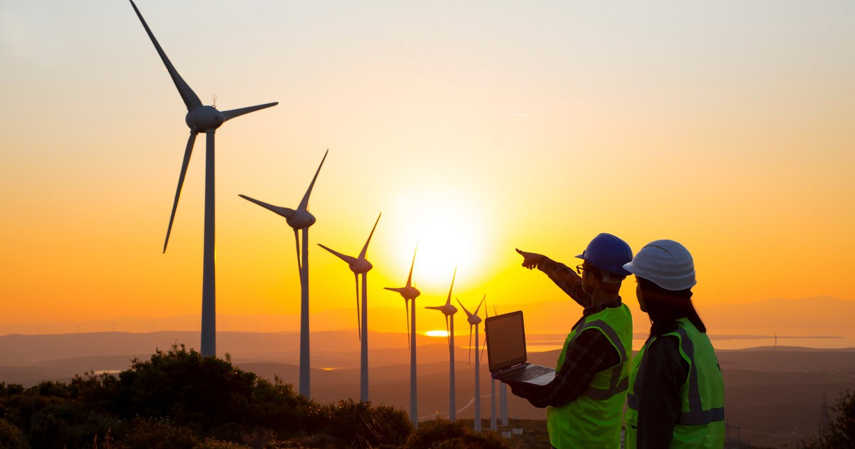 This High-Yield Utility Continues to Pour Money Into Renewables