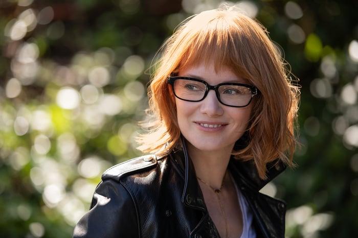 Woman wearing Echo Frames