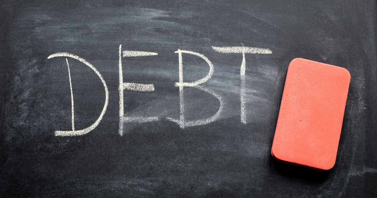 3 Reasons to Start Paying Down Your Debt Now