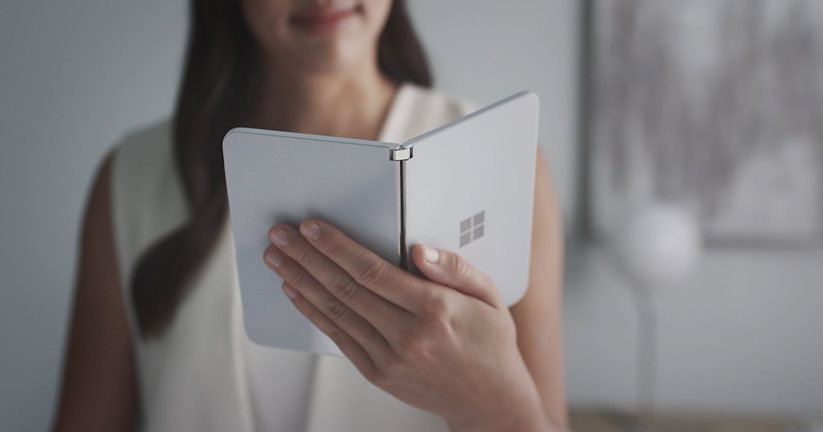Microsoft's Surface Duo Is a Niche Device With an Identity Crisis