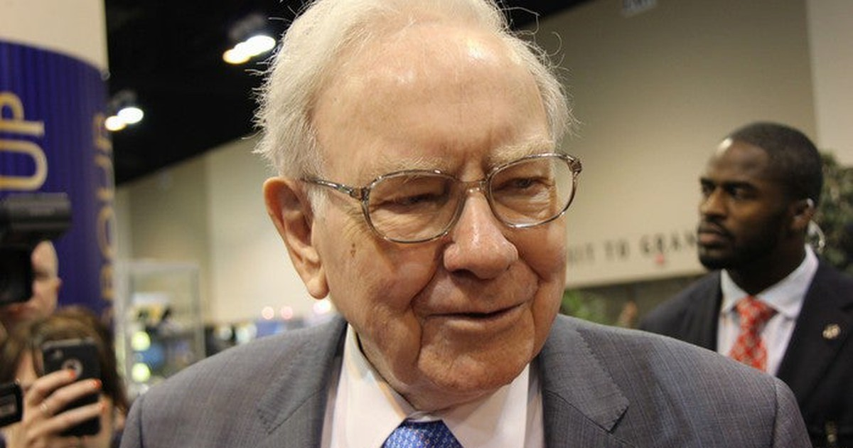 3 Warren Buffett Stocks to Buy in October