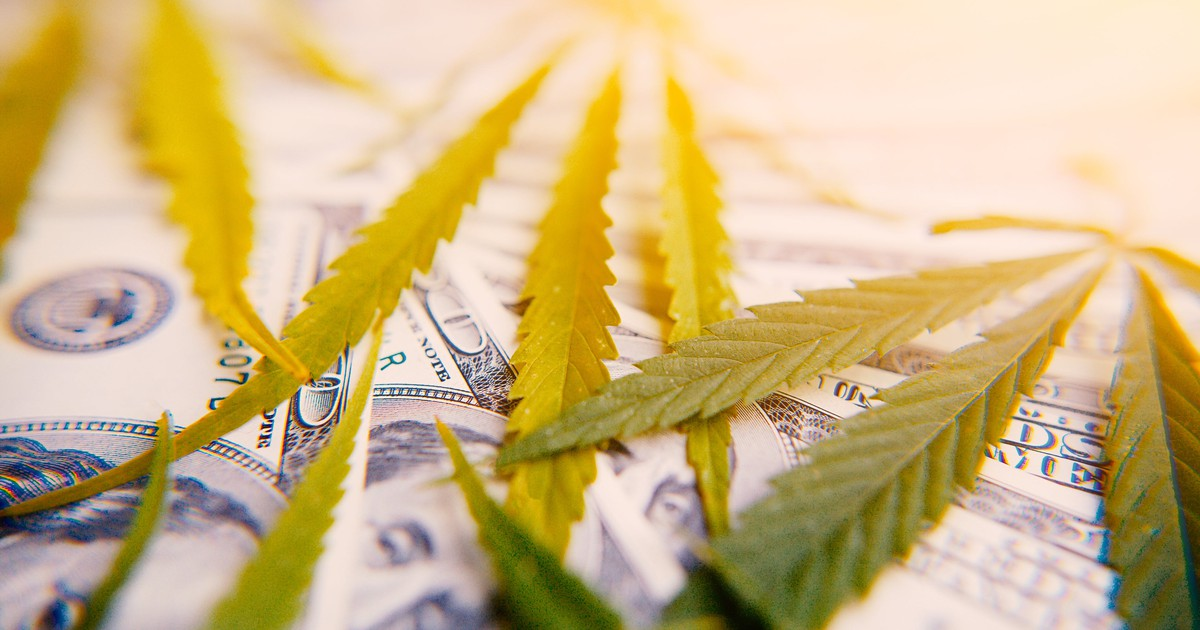 Weekly Cannabis Stock News: HEXO Pulls Down Peers With Its Awful Update