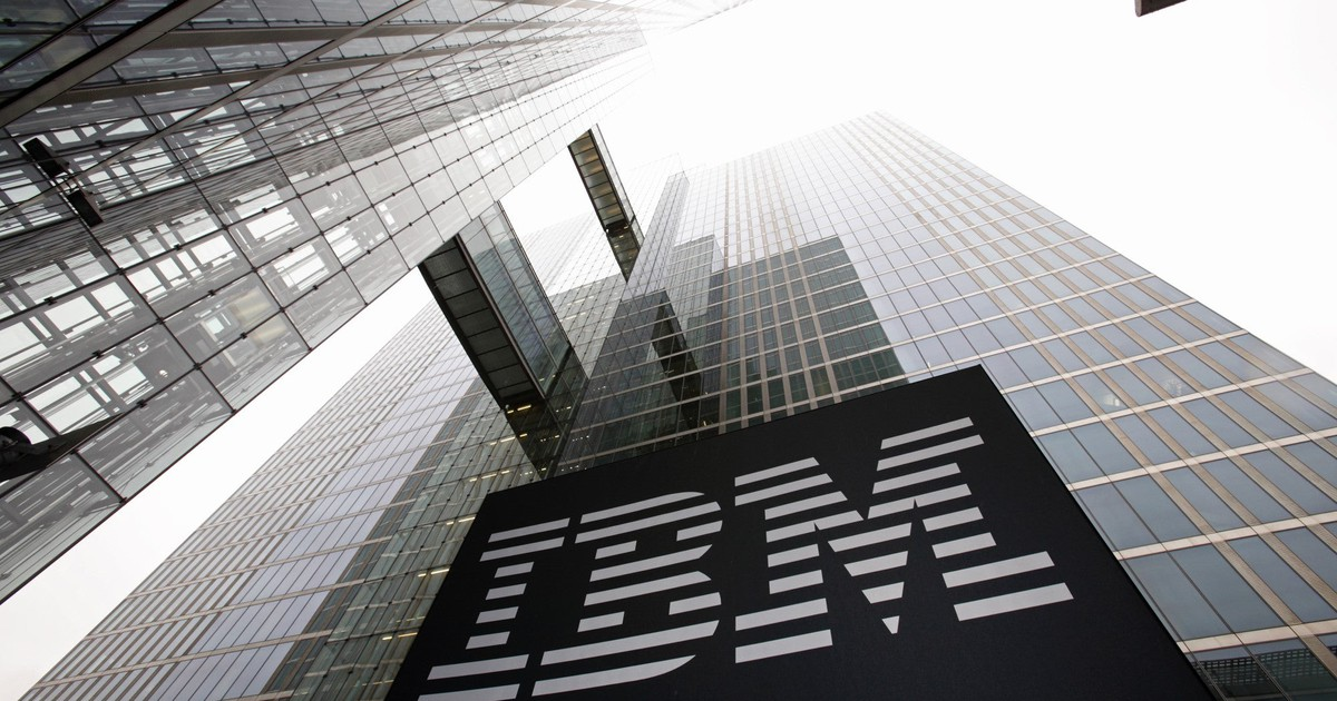 IBM Reports Messy Results