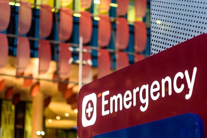 Hospital emergency room sign
