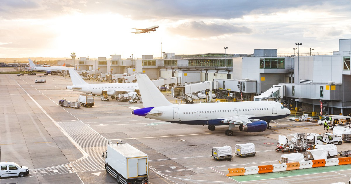 The 10 Biggest Airline Stocks