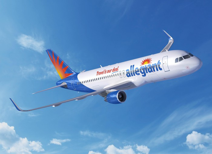 An Airbus A-320 in Allegiant colors.