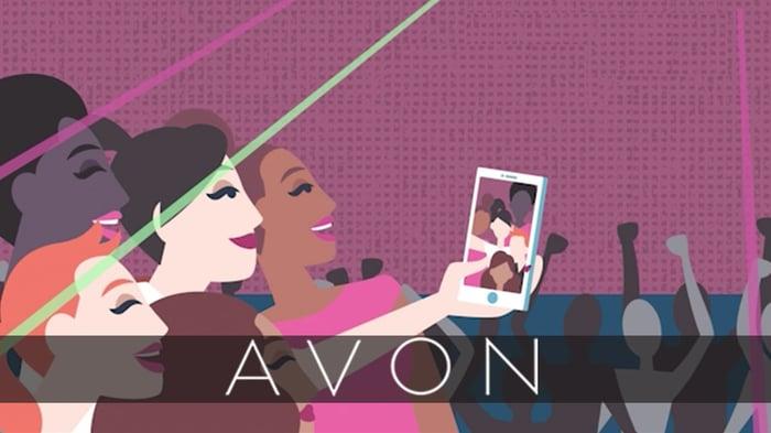 Avon art of women taking a selfie.