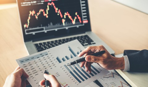 investment analyst manager investing