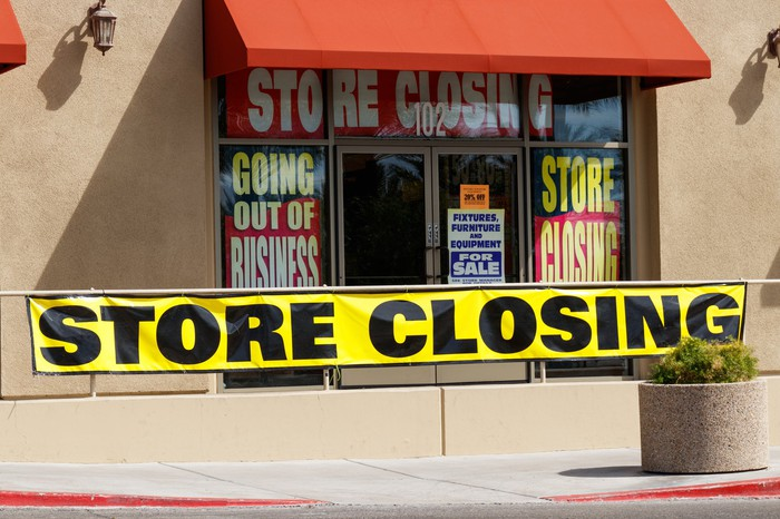 Store close banner across storefront