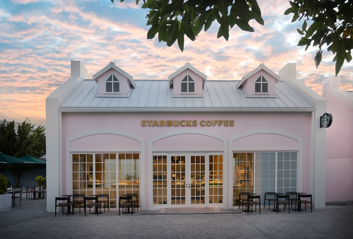 Exterior of the Starbucks in Grand Turk