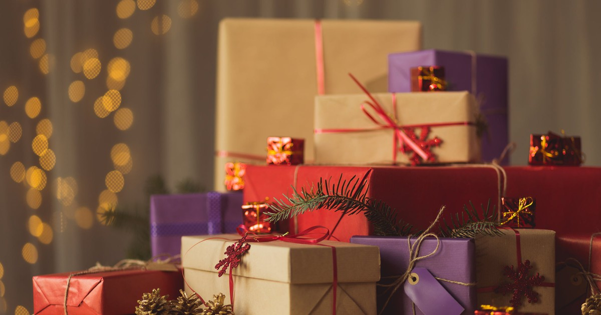 The Surprising Reason Americans Are Spending Less on the Holidays