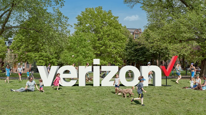 A 3D rendering of Verizon's logo placed in a park.