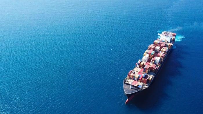 Dry bulk tanker on open water.