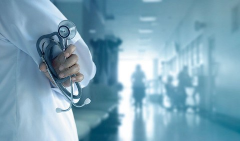 Doctor hospital GettyImages-695337976
