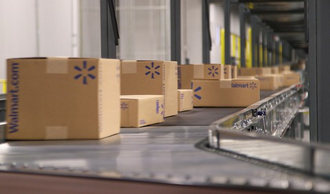 walmart-e-commerce-fulfillment-center-boxes-being-shipped