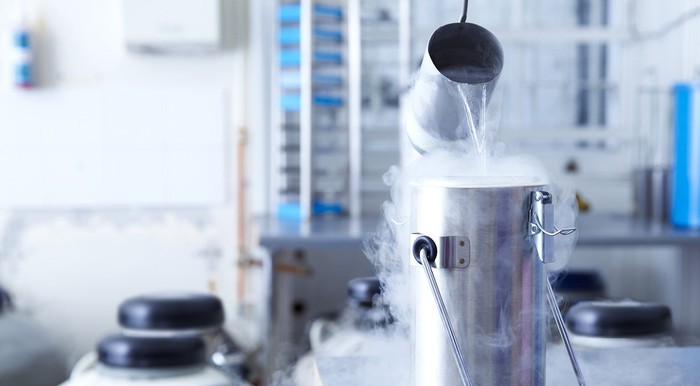 Cryogenic liquids in industrial containers.