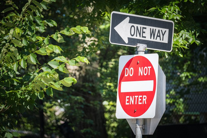 One way street sign, and a do not enter sign