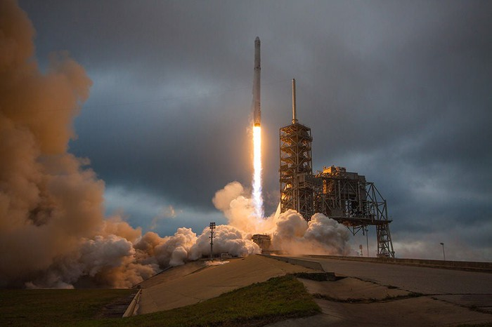 A SpaceX Falcon 9 rocket launches from Kennedy Complex 39A.