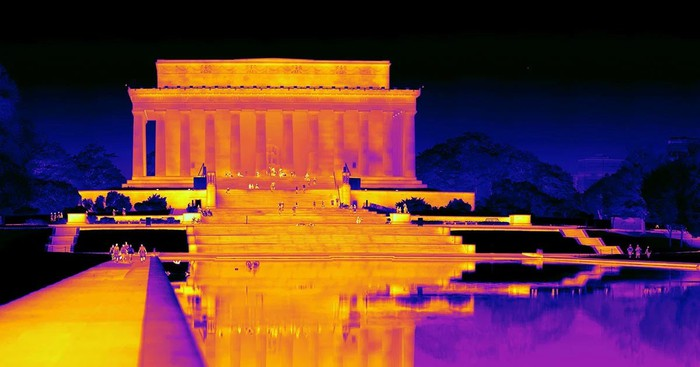 The Lincoln Memorial from an infrared camera.