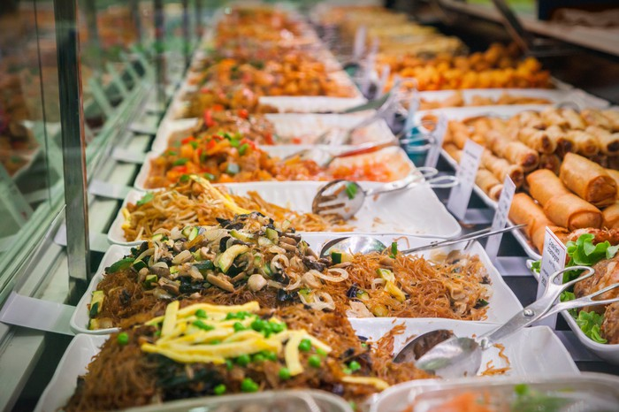An expansive Chinese food buffet