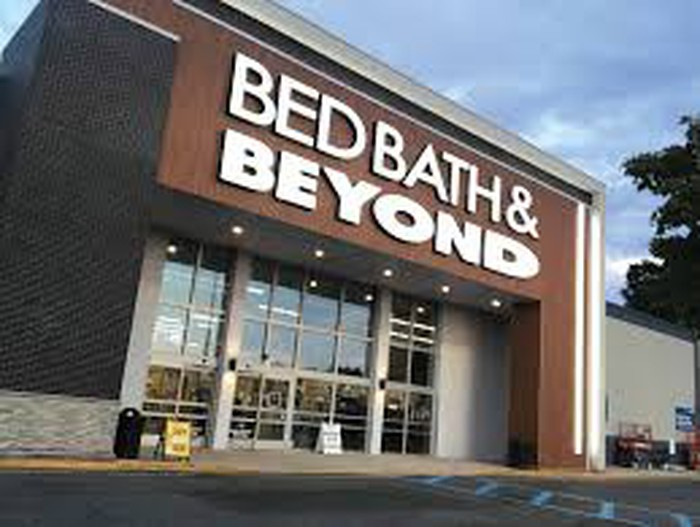 A Bed Bath & Beyond store facade.