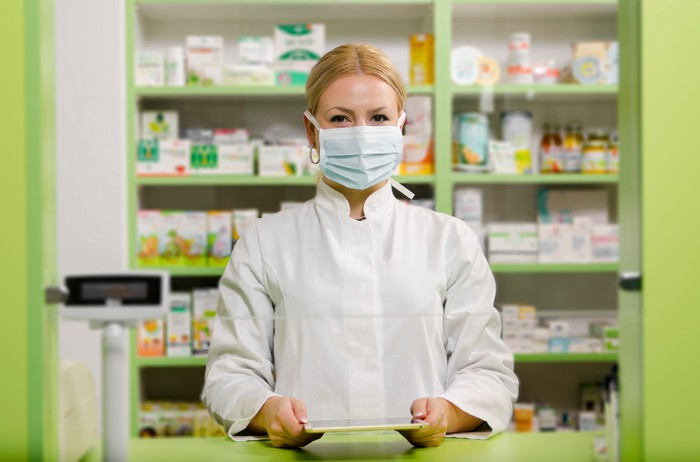 Pharmacist wearing a mask