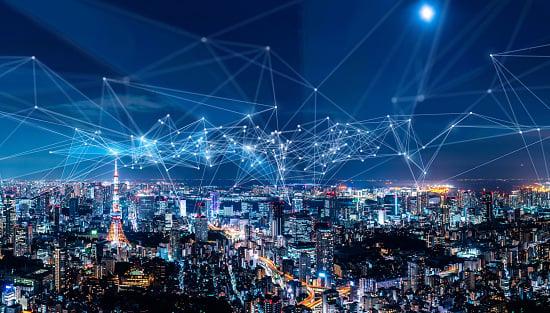 Illustration of Verizon wireless 5G network coverage over a metropolitan area.