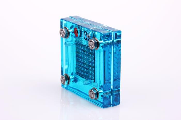 One single hydrogen fuel cell in blue glass