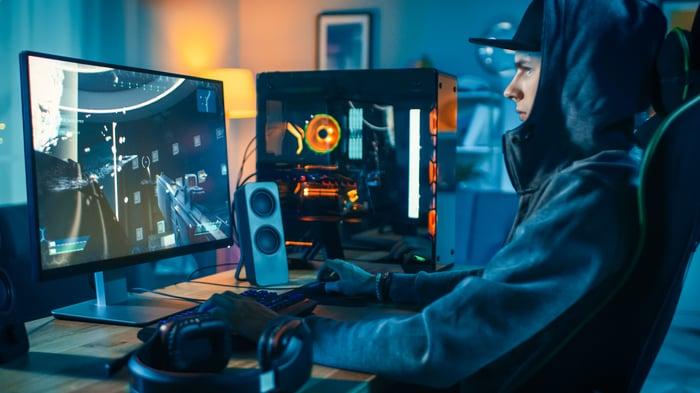 A gamer streams a PC game.