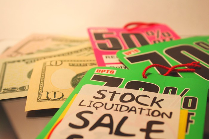 Retail liquidation tags and cash