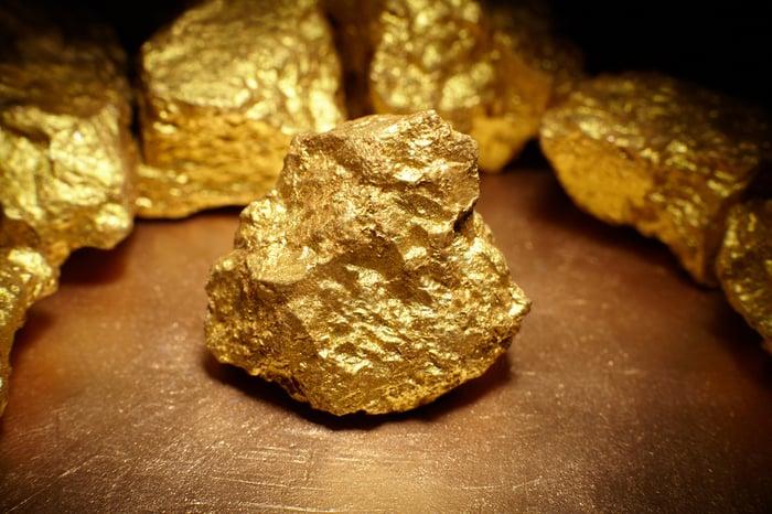 Close-up of gold rocks.