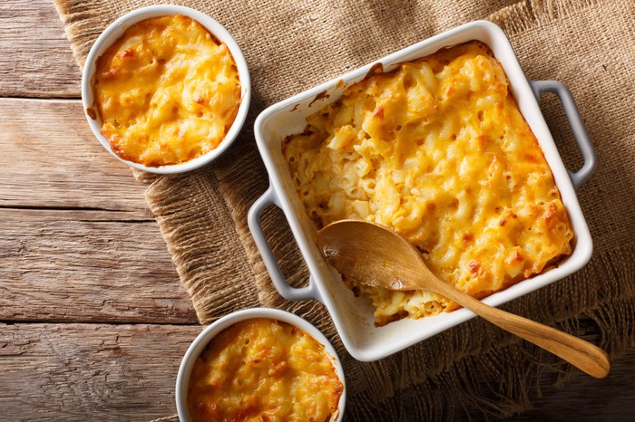 A baked casserole of macaroni and cheese.