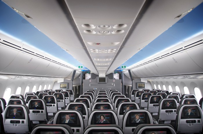 Interior main cabin of American Airlines 787